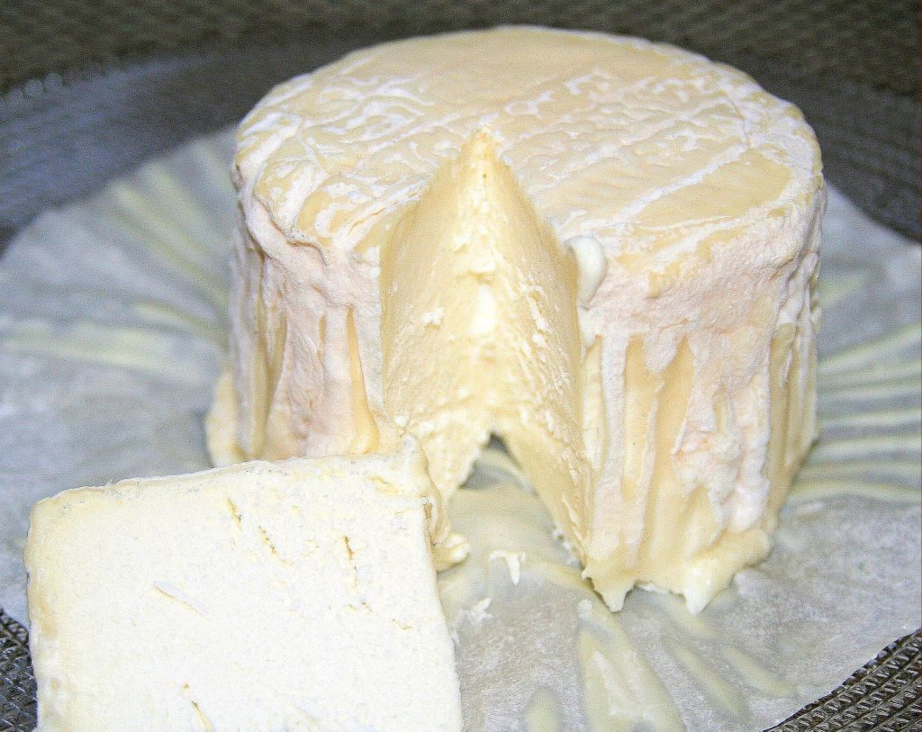 la tur, italian cheese, white bloomy rind cheese, triple milk cheese,