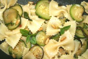 farfalle, zucchini